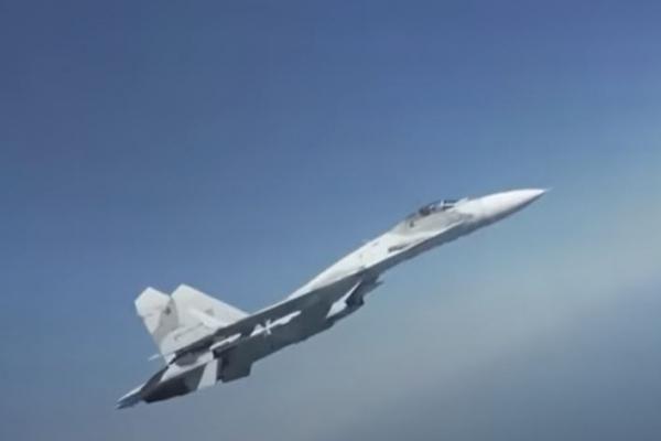 Phi công F-35 Mỹ ngỡ ngàng vì bị Su-30SM Nga tiếp cận và đánh chặn