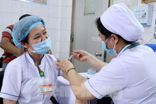 800 nghìn liều vắc xin COVID-19 sẽ được TPHCM tiêm thế nào?