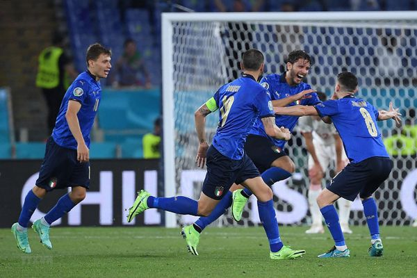EURO 2020: Vượt qua Thụy Sĩ 3-0, Italy giành quyền đi tiếp