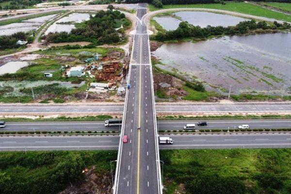 Cận cảnh nút giao 319 kết nối cao tốc Long Thành trước ngày thông xe