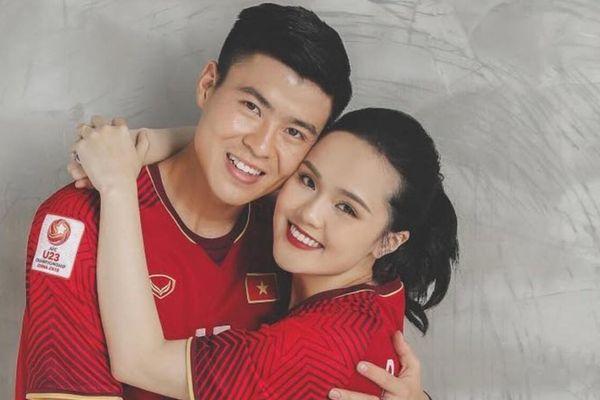 Hậu trận đấu với UAE, Duy Mạnh ngọt ngào nhắc đến vợ cùng lời nhắn nhủ 'đốn tim' người hâm mộ