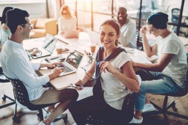Đừng bao giờ nghĩ nơi làm việc chỉ cần năng lực, ngoại hình cũng là một loại thực lực quan trọng