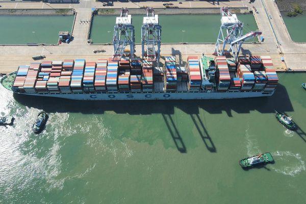 COSCO và OOCL khai thác tuyến dịch vụ mới đi Mỹ từ cảng CMIT