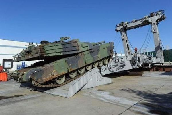 Thủy quân lục chiến Mỹ loại toàn bộ tăng Abrams