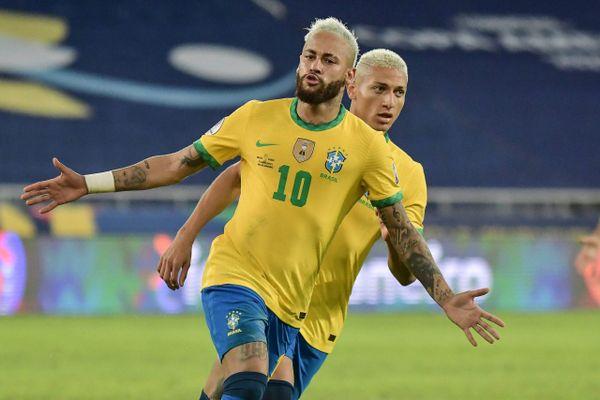 Neymar 'nổ súng' ở Copa, áp sát kỷ lục huyền thoại Pele