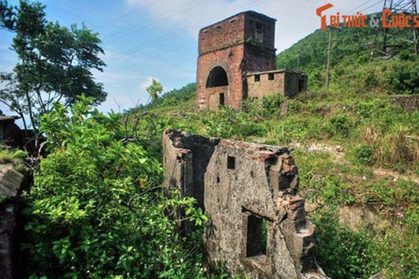 Những công trình kiến trúc nào được khắc vào Cửu Đỉnh nhà Nguyễn?