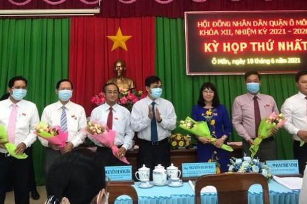 Bầu các chức danh lãnh đạo chủ chốt của HĐND, UBND quận, huyện