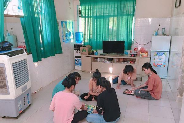 Hà Nội: Nhiều giải pháp cấp bách chống nắng cho người yếu thế