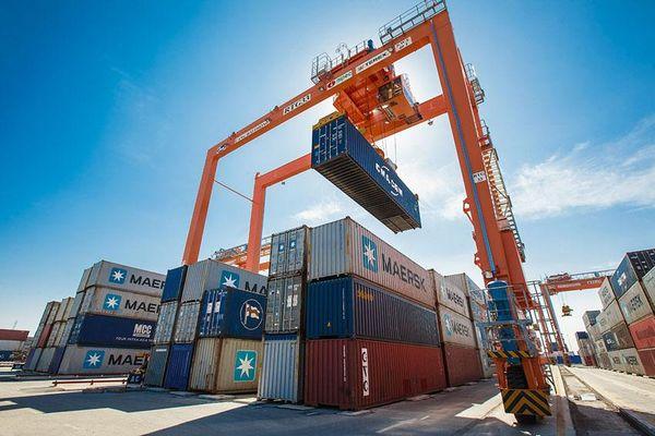 Việt Nam nhập siêu khoảng 1,35 tỷ USD trong nửa đầu tháng 6
