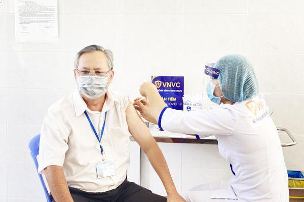 Mua 30 triệu liều vaccine phòng Covid-19 do Astra Zeneca sản xuất