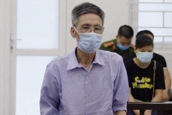 Gã chồng máu lạnh đoạt mạng vợ, uống thuốc độc tự tử rồi bình thản sang trả nợ hàng xóm