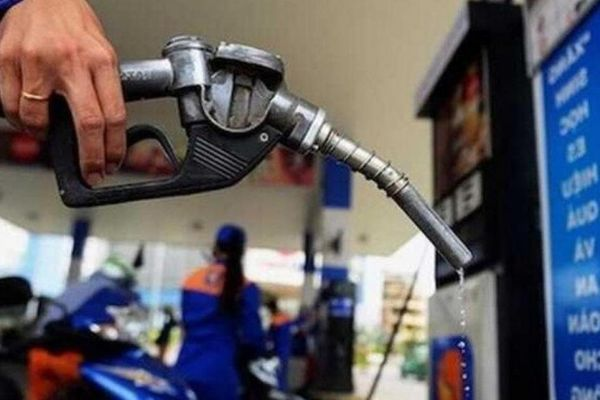 Giá xăng dầu hôm nay 19/6: Chưa kịp xuống sâu lại tăng mạnh mẽ