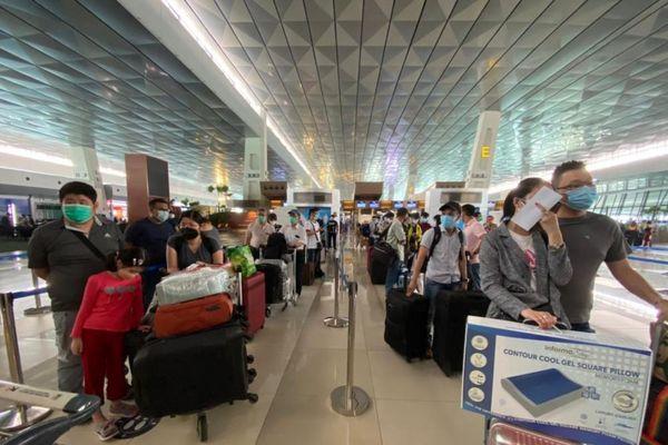 Đưa hơn 320 công dân Việt Nam tại Indonesia về nước an toàn