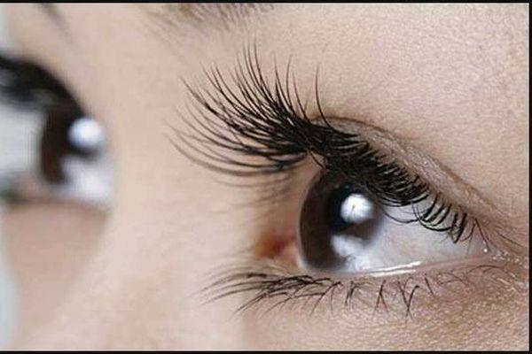 3 cách giúp lông mi dài hiệu quả mà không phải tốn kém