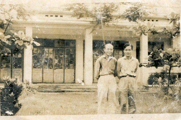 Bố tôi, Phạm Đức Hóa – Người đặt nền móng cho trường Đại học Ngoại ngữ