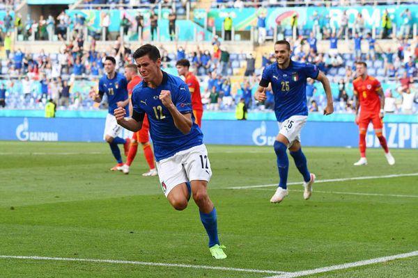 EURO 2020 ngày 21/6: Italy xô đổ loạt kỷ lục, hậu vệ Xứ Wales lập cột mốc buồn