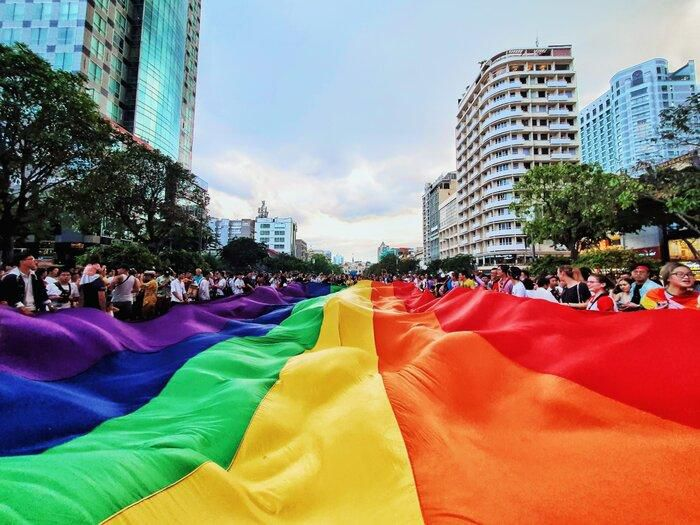 VietPride 2019: 'Đi cùng con cô thấy vui lắm, con của mình chứ con ai đâu  mà ghét bỏ' - SaoStar