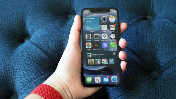 'Dung lượng pin đã ngăn tôi mua iPhone 12 mini'
