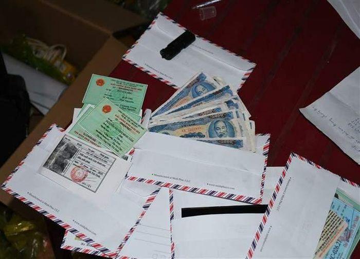 Bắt giữ cặp vợ chồng làm tiền giả mệnh giá 5.000 đồng - Báo Tin Tức TTXVN