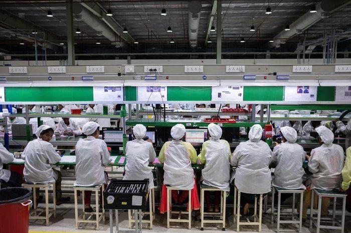 Đối tác Apple tăng cường sản xuất ngoài Trung Quốc