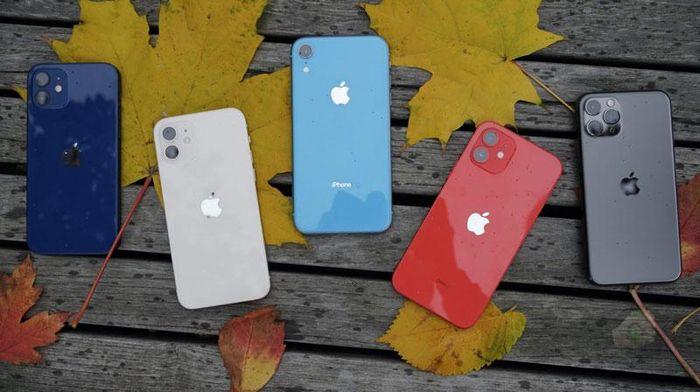 Trên tay 5 màu sắc của iPhone 12 vừa lên kệ tại Việt Nam