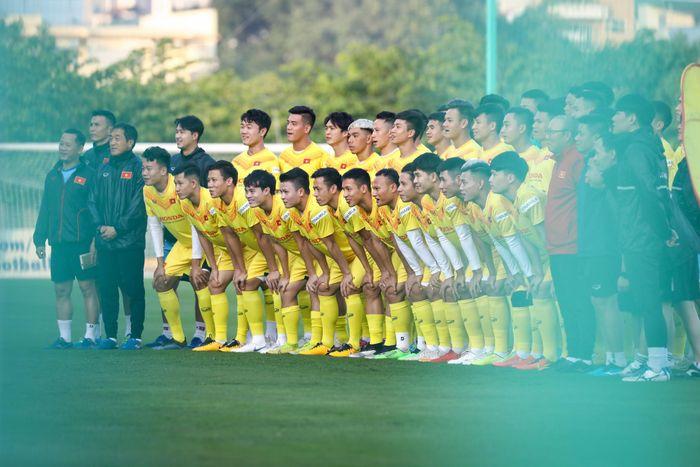 Đội tuyển Việt Nam trở lại sau hơn 1 năm vắng bóng