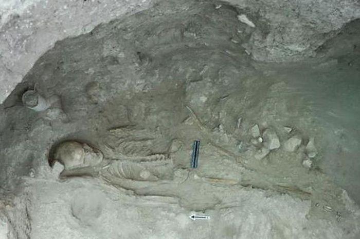 Kinh hoàng kho báu khổng lồ 3.500 tuổi nằm giữa 52 hài cốt - 2