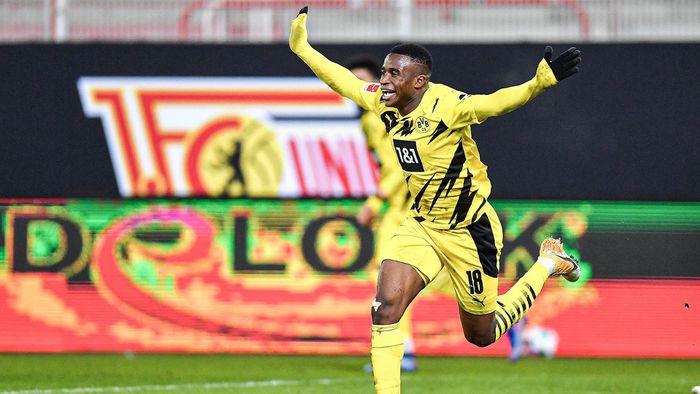 Bản tin bóng đá 19/12: Mourinho chế giễu giải thưởng FIFA của Klopp, thần đồng Dortmund đi vào lịch sử