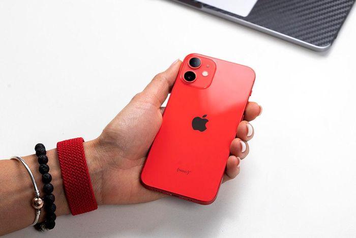 IPhone 12 là smartphone 5G bán chạy nhất thế giới