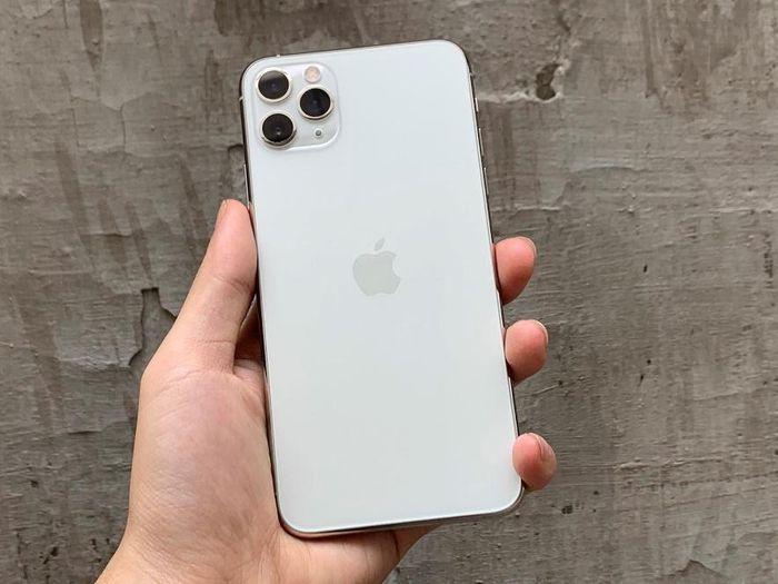 5 mẫu iPhone giảm giá sâu dịp cuối năm tại Di Động Việt