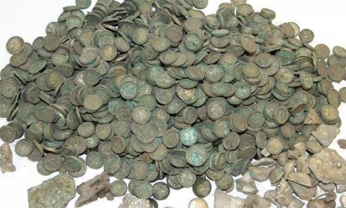 Kho báu 900 năm tuổi chứa cổ vật bằng vàng - 2