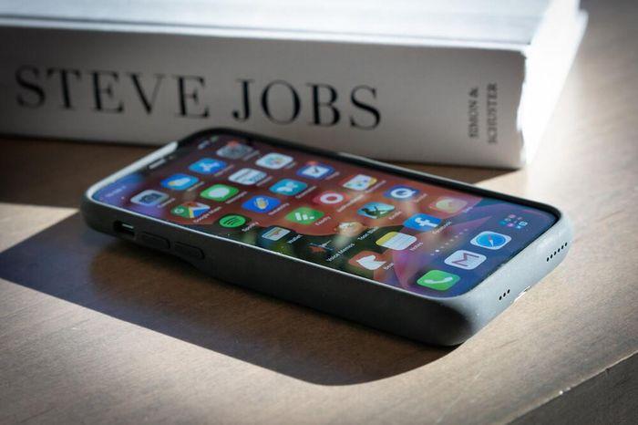 Mẹo nhỏ giúp pin iPhone dùng được lâu hơn gấp đôi hiếm người biết