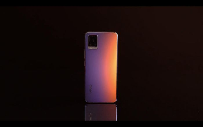 Editors' Choice Awards 2020: Smartphone selfie nổi bật năm 2020 - vivo V20