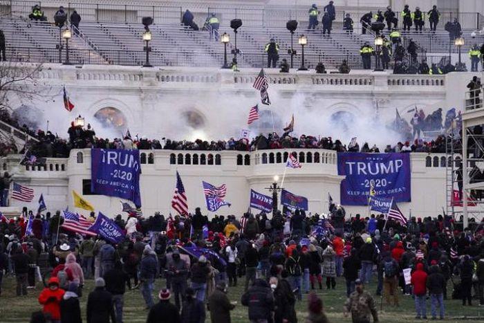 Loạt doanh nghiệp Mỹ từ chối tài trợ chính chị sau bạo loạn ở Điện Capitol