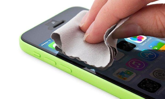 Hướng dẫn bạn cách vệ sinh iPhone sạch sẽ khỏi cần ra hàng