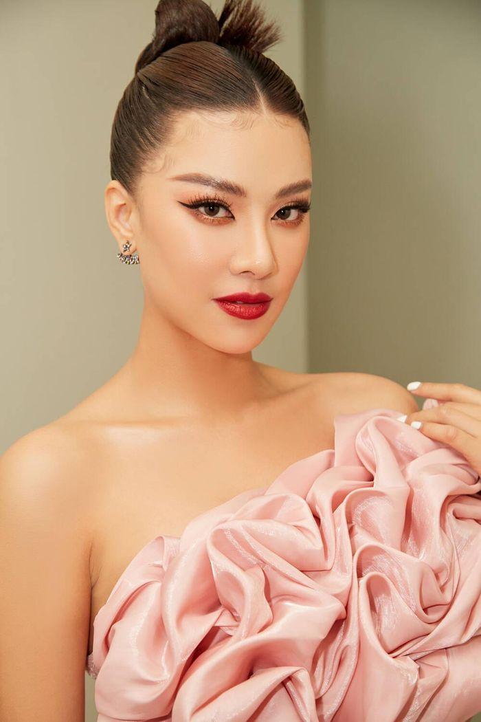 Á hậu Kim Duyên làm mentor huấn luyện catwalk cho thí sinh hoa khôi Ảnh 4