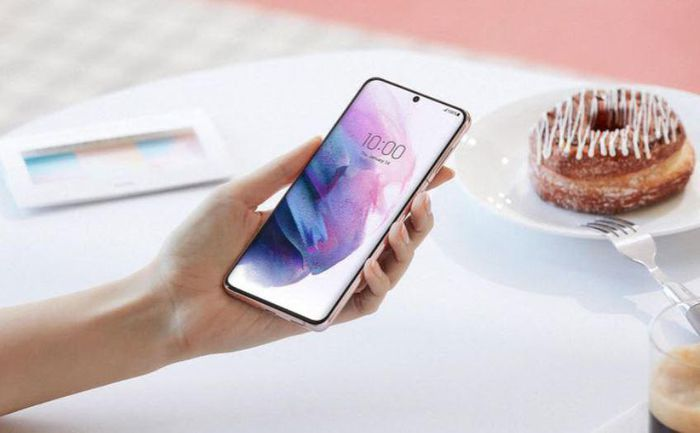 Nhà bán lẻ đem đến ưu đãi gì cho Galaxy S21 Plus 5G năm nay