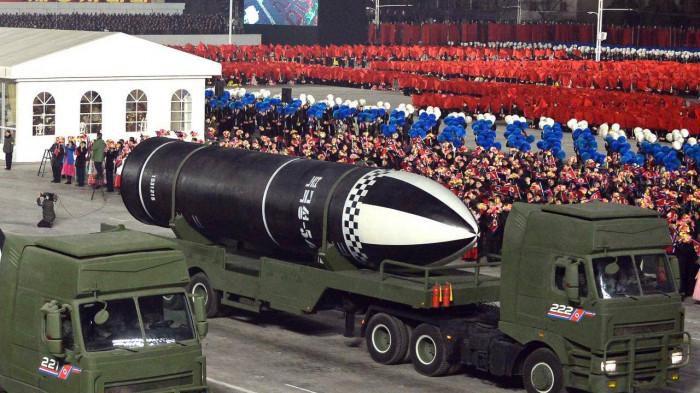 Không nói suông, Chủ tịch Triều Tiên phô trương vũ khí mạnh nhất thế giới -  Báo Giao Thông