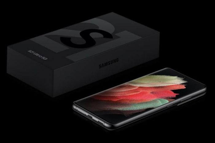 Mua mới smartphone Samsung sẽ mất thêm tiền cho bộ sạc và tai nghe