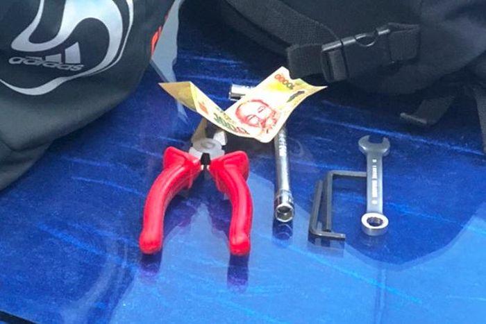 Đánh tráo biển số để trộm xe máy đời mới