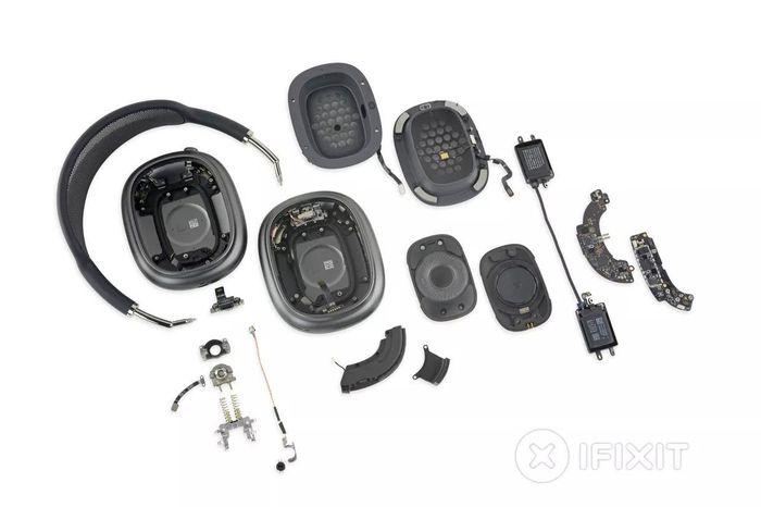 'AirPods Max khiến tai nghe của Bose và Sony trông như đồ chơi'