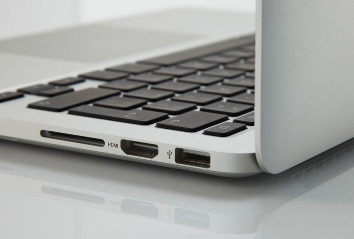 MacBook Pro 2021 sẽ đem khe cắm thẻ nhớ SD quay trở lại