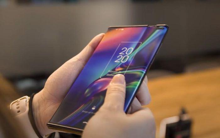 Smartphone màn hình cuộn linh hoạt