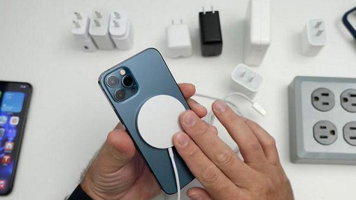 Apple hướng dẫn người mắc bệnh tim dùng iPhone 12 an toàn