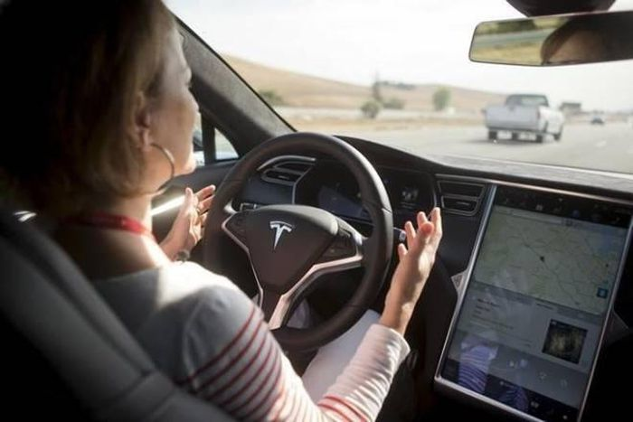 Samsung bắt tay Tesla làm chip xử lý cho xe tự lái