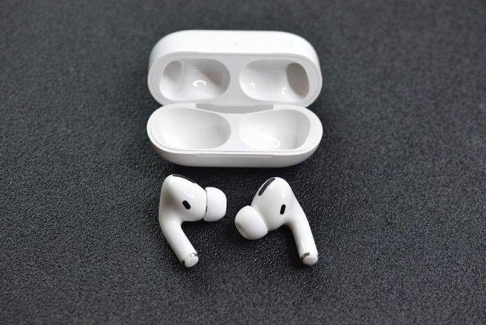 Sốc nặng phát hiện tai nghe bị mất nằm trong... thực quản