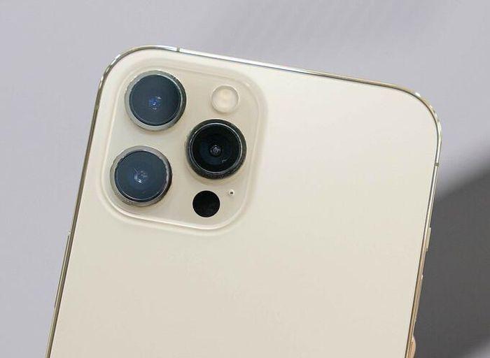 IPhone 13 sẽ được trang bi ống kính góc siêu rộng?
