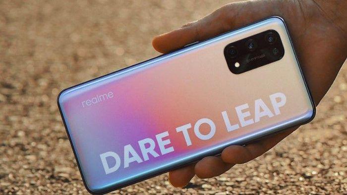 Realme GT 5G giá mềm với RAM 12GB chip Snapdragon 888 sẽ đi kèm 65W?