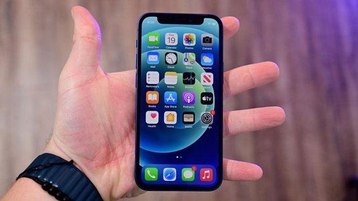 Apple lần đầu đánh bại Samsung sau 4 năm nhờ iPhone 12