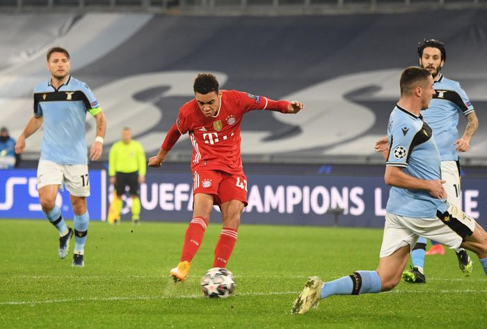 Bayern vùi dập đối thủ trên sân khách